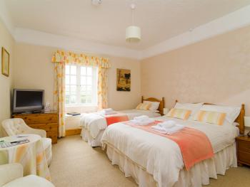 Room 1 – Flexible En-suite - BREAKFAST INCLUDED