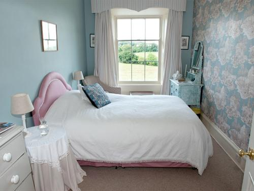 Double room-Classic-Shared Bathroom-Lake View - Double room-Classic-Shared Bathroom-Lake View