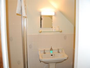 Shower for twin en-suite room