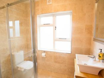 Shakespeare Bathroom