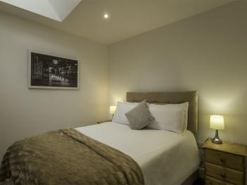 Double room-Economy-Ensuite with Shower - Double room-Economy-Ensuite with Shower