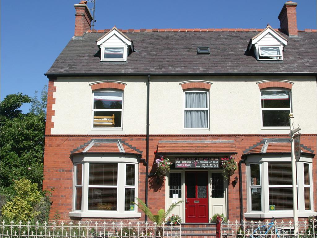 Llangollen Hostel - great value 4 star accommodation in North Wales
