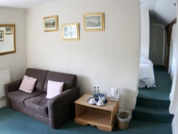 Aldbury Suite, Bath & Shower en suite, Family room