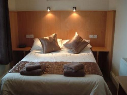 Double room-Standard-Ensuite with Shower-Garden View-Room 1 - Base Rate