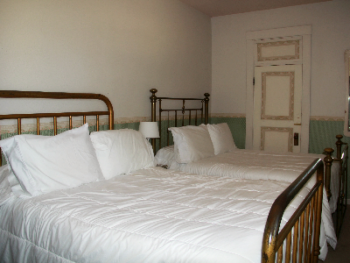 Room 03, Two Full Beds-Quad room-Shared Bathroom-Standard