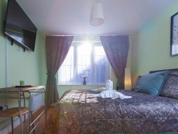 En-suit Room 1