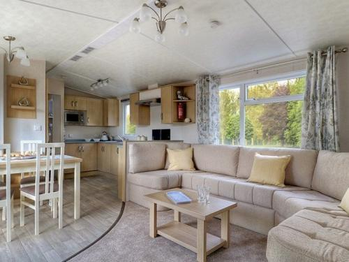 3 Bed Birch Caravan - Living Room