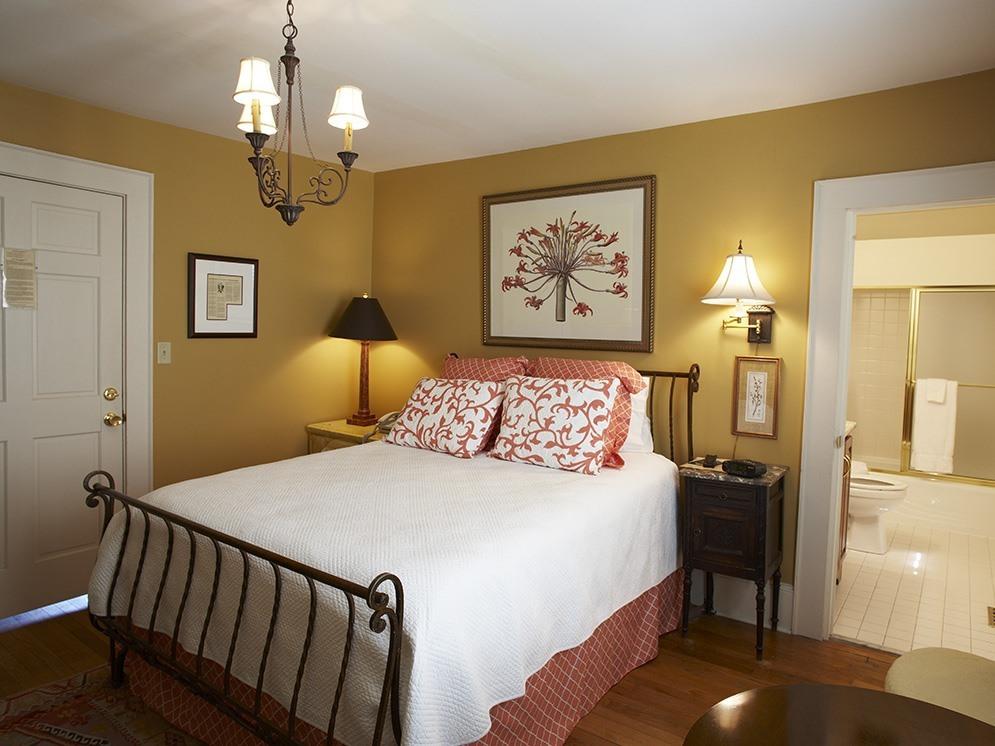 Cottage-Ensuite-Suite-Garden House - Base Rate