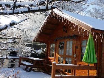 Chalet Fétrus sous la neige