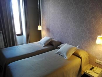 Doble con dos camas-Baño en la habitacion-Doble (2 camas) 107