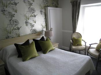 Double room-Ensuite with Shower-Garden View-Room 2 - Double room-Ensuite with Shower-Garden View-Room 2
