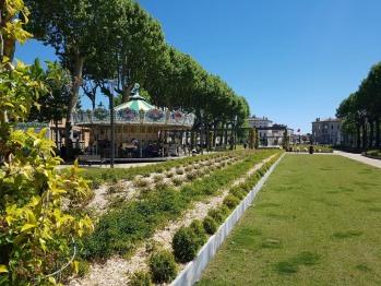 Square Gambetta Rose gardens