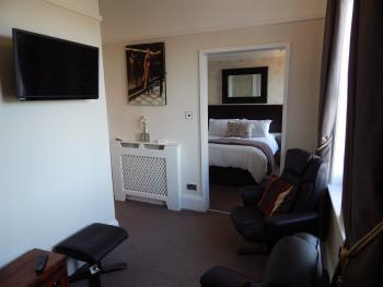 Suite-Luxury-Ensuite-No8  King Double bed