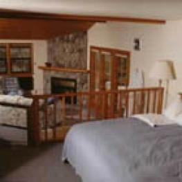 Suite-Jacuzzi-Luxury-Countryside view-Wildflower Suite