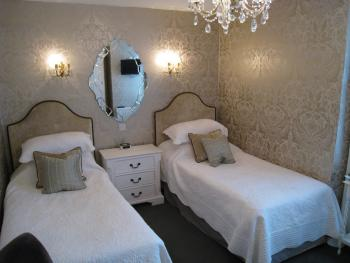Twin room-Ensuite with Bath-Room 15