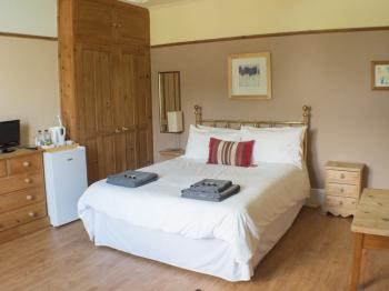 Double room-Shared Bathroom-Garden View - Base Rate