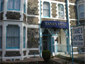 Tanes Hotel - Front