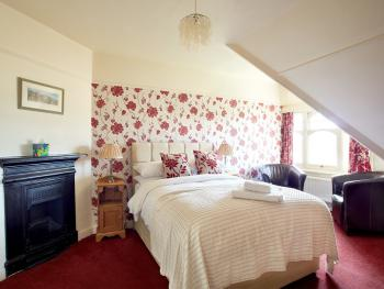 Double room-Superior-Ensuite with Bath-Shower/Second Floor