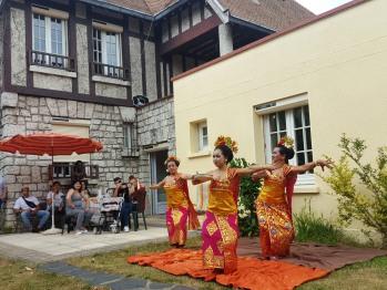 Inauguration d'Apakabar Homestay - Danse balinaise