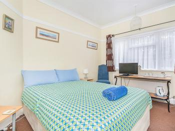Small Double/Single Bed room