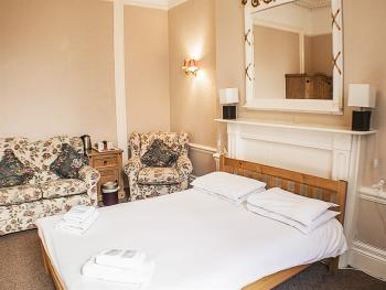 Double room-Superior-Ensuite- fully ensuite