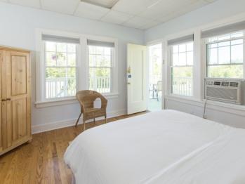 Beach House 2nd Floor-Suite-Pool View-Suite-Private Bathroom