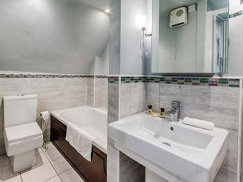 Double room-Classic-Ensuite with Bath-The Chestnut