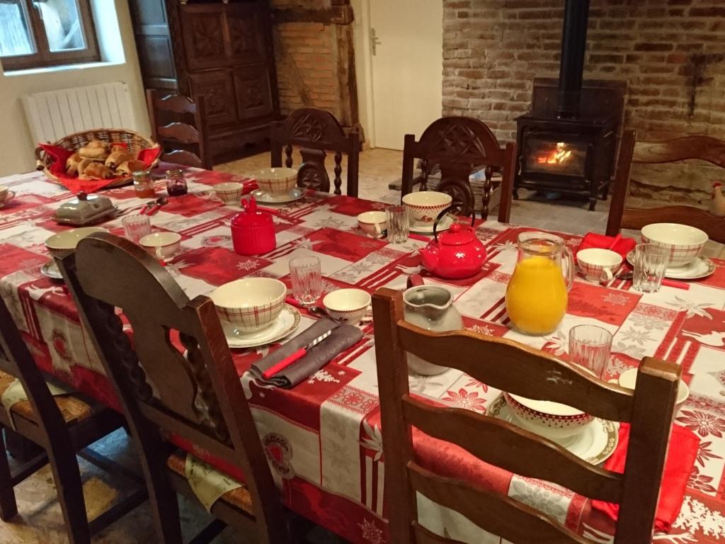 table petit dejeuner