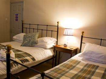 Triple room-Ensuite-Family (Sleeps 3)