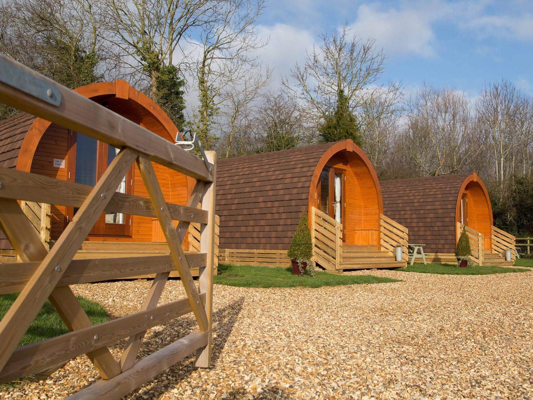 Cabin-Ensuite with Shower-Glamping Pod Fox Den
