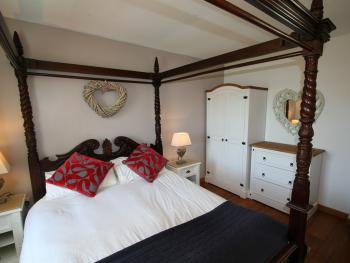 The Coach House Four Poster Bedroom