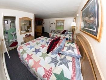 Hillside Room 09-Quad room-Ensuite-Luxury