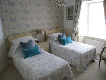 Twin room-Ensuite with Shower-Garden View-Room 7