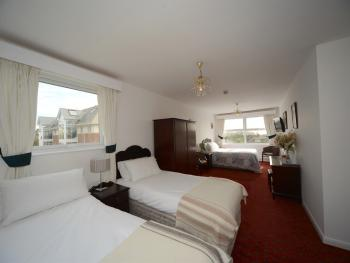 Family room-Standard-Ensuite-2 Adults & 2 Child - Family room-Standard-Ensuite-2 Adults & 2 Child
