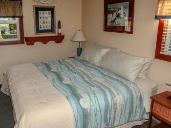 #4 Shell Seekers King Size Bed