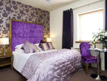 Double room-Ensuite with Bath-Purple