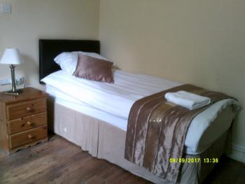 Double room-Ensuite-Or Single