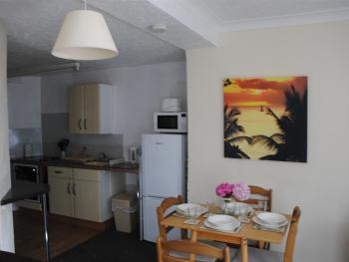 Ashbury Tor apartment, kitchen/dining area.