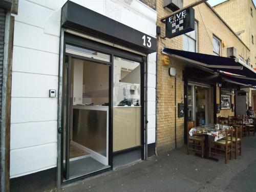 Reception at 13 Goodwin Street