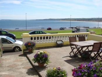Prospect House - Front terrace view