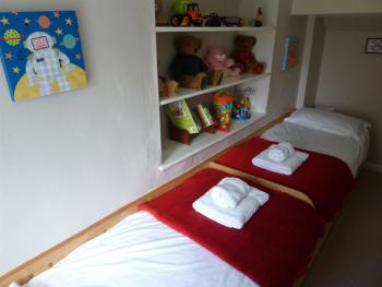 Family room-Ensuite-Sleeps upto 4 (Room 8) - Family room-Ensuite-Sleeps upto 4 (Room 8)