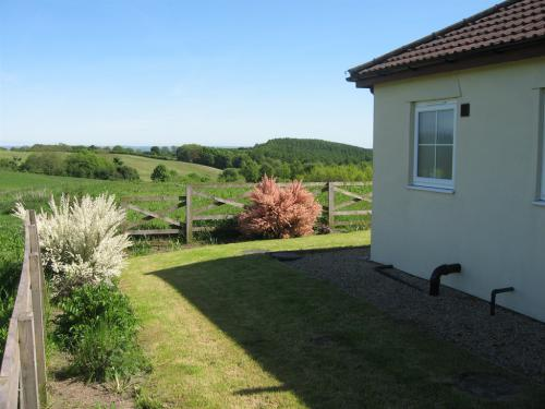 Hedley Hall cottages garden view