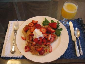A breakfast in strawberry season