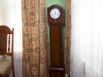 Grandaughte Clock eary 1900c