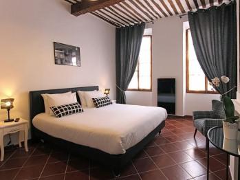 Double-Confort-Salle de bain Privée-Vue ville-Black&White
