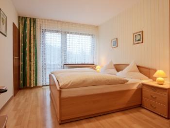 Doppelzimmer-Budget-Ensuite-Blick auf den Wald