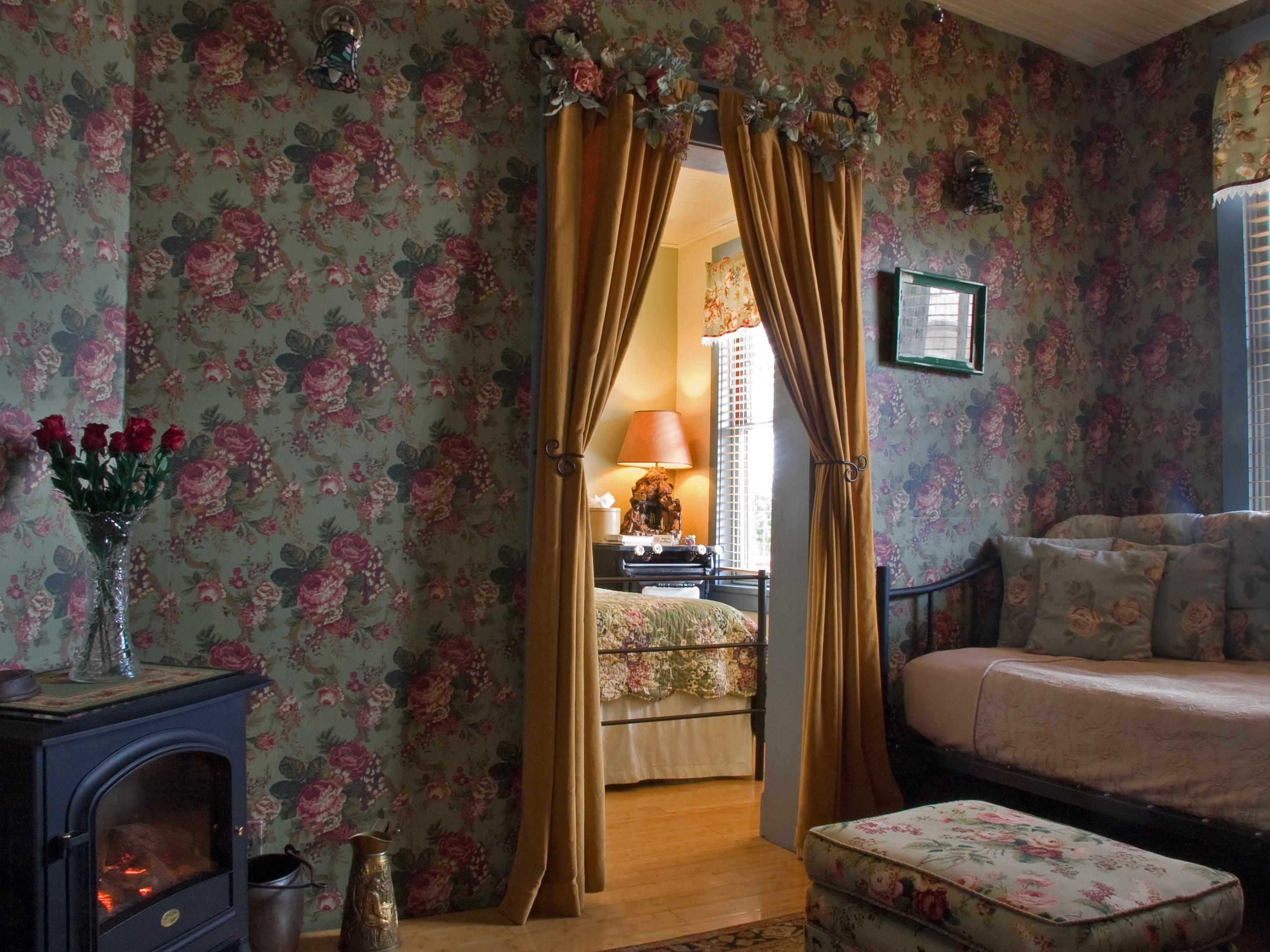 Miner's Suite-Triple room-Ensuite-Standard-Mountain View