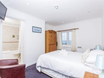 Driftwood Spars - Room 8, A  lovely seaview double room.