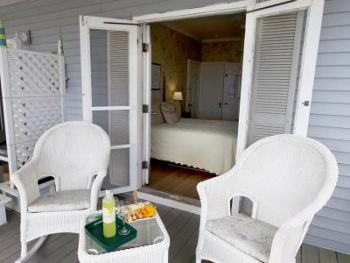Veranda Room-Queen-Ensuite-Deluxe-Ocean View - Base Rate