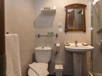 Baño Habitación Cuádruple Estandar